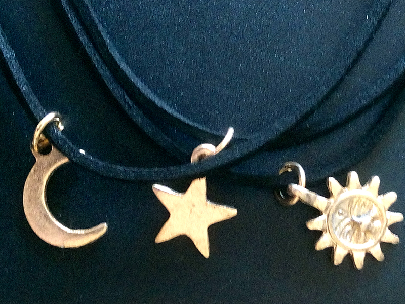 [Shopping] 3 Pcs Sets Punk Black Velvet Stripe Star Moon Sun Choker Necklaces Alloy Pendants for Women