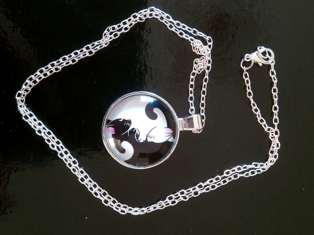[Shopping] Luna Cat Artemis Anime Manga Yin And Yang Jewelry Round