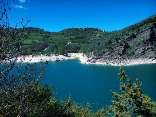 [Foto] Pasquetta in riva al Lago di Fiastra