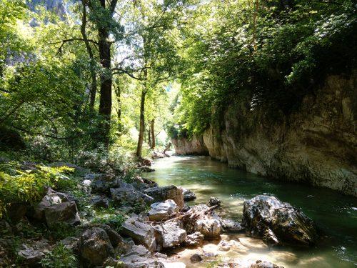 [Foto] Parco Naturale Regionale Gola della Rossa e di Frasassi: lungo il Sentino e al Tempio del Valadier