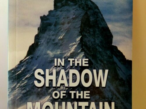 [VENDO] In The Shadow of the Mountain | Helen Naylor | Cambridge